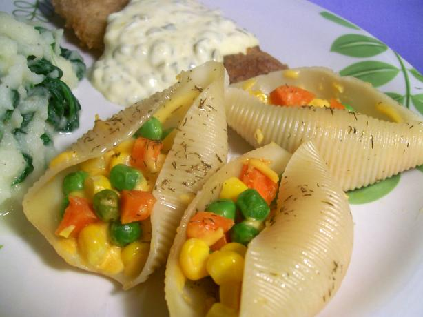 Cheddar-Vegetable Stuffed Shells