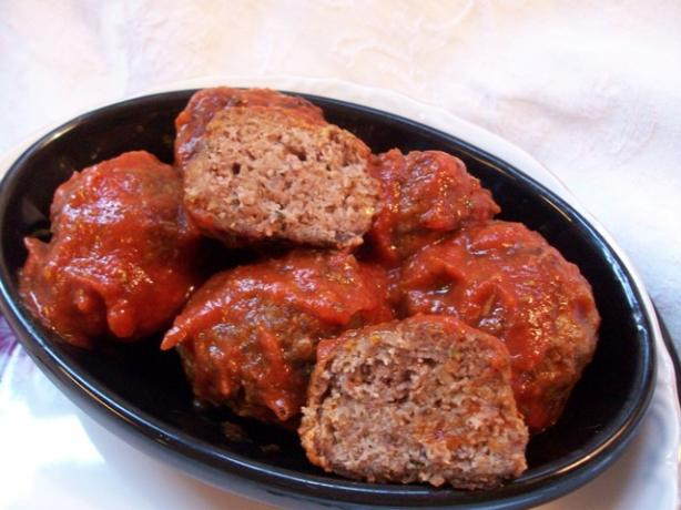 Meatballs and Gravy (Spaghetti Sauce)