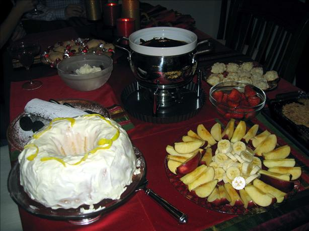 Yummy Chocolate Fondue for a Crowd