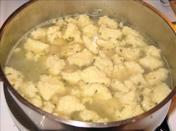 Little Dumpling Soup (Nockerl-/Griessklosschensuppe