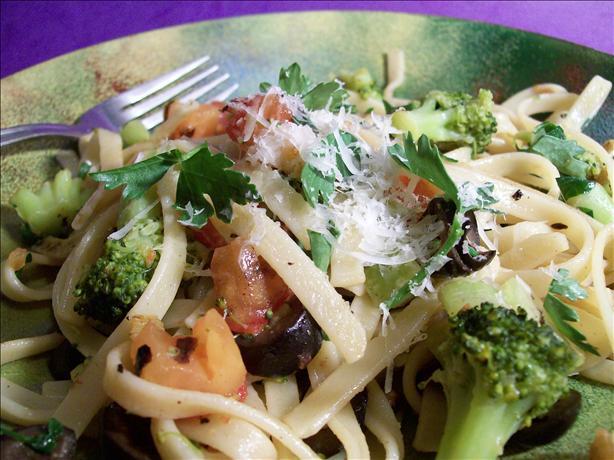 Broccoli N' Tomato Pasta