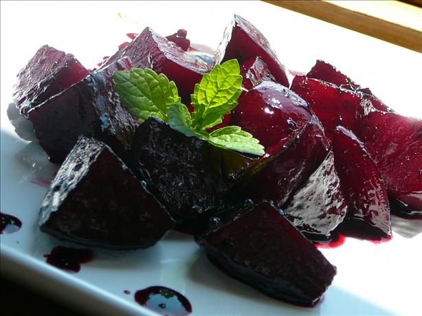 Roasted Beets With a Rosemary Glaze