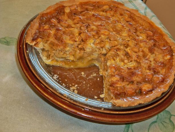 Apple Butterscotch Macadamia Pie