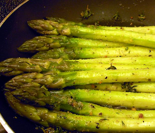 Lemon and Thyme Grilled Asparagus