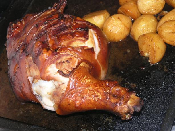 """Croatian Piglet (""""odojak U Pecnici"""")"""