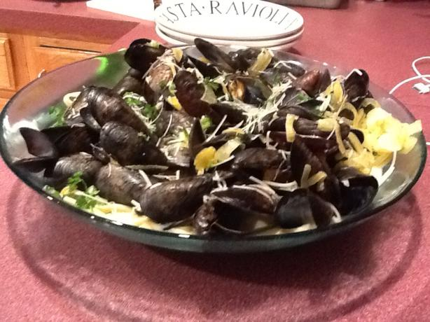 Mussels With Saffron Cream