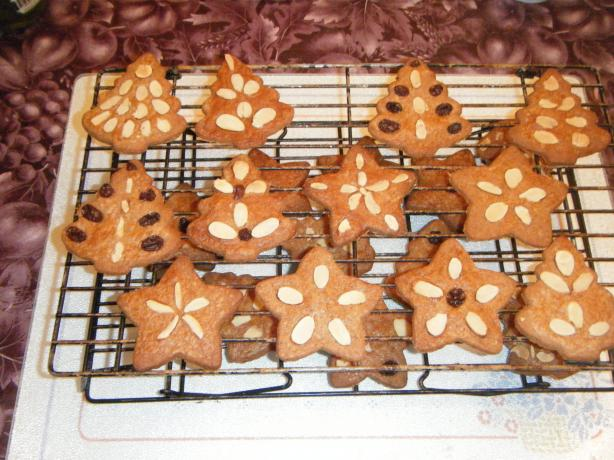 Dutch Speculaas Cookies (With Slivered Almonds on Top)