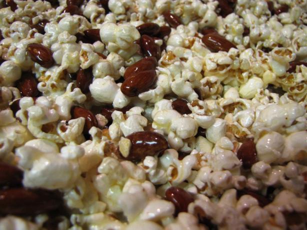 Mel's Caramel Corn