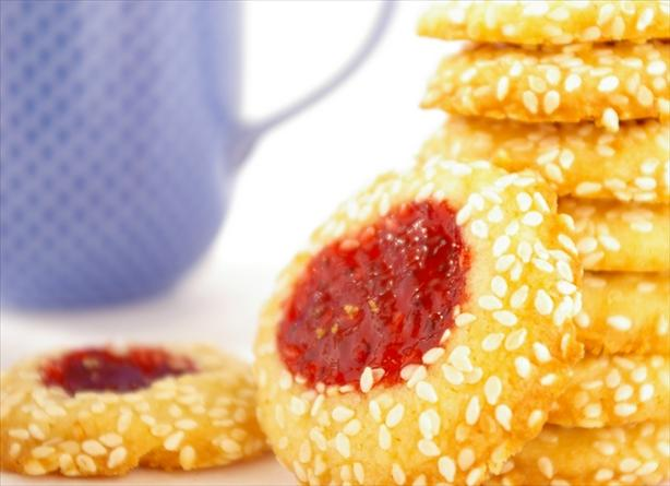 Strawberry Filled Cookies
