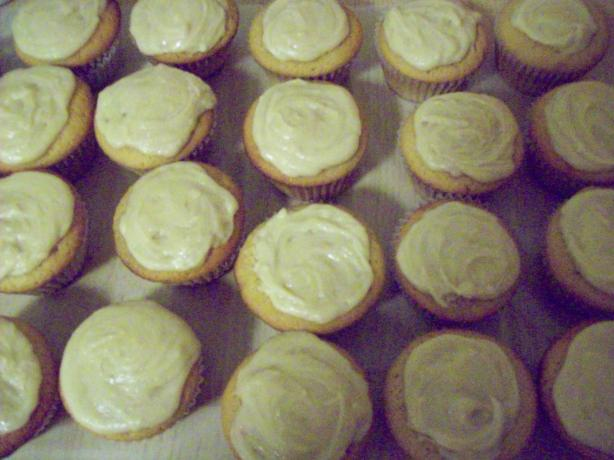 Brown Sugar Cupcakes With Brown Butter Glaze
