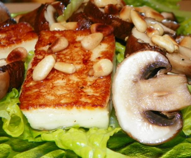 Haloumi and Mushroom Salad
