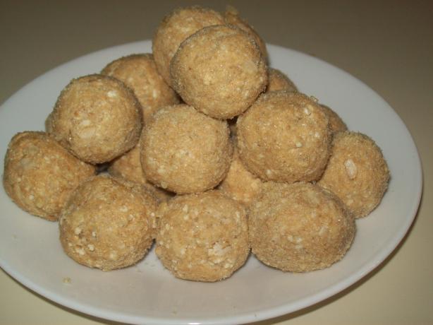 Pia Mia's Peanut Butter Balls