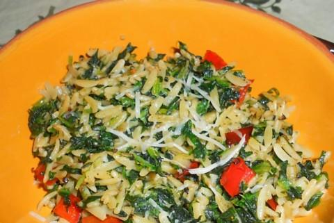 Orzo With Spinach and Red Pepper