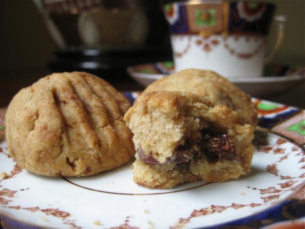 Gluten Free Klaicha - Date Filled Cookies