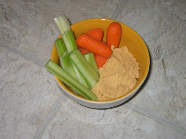Easy Spicy Hummus
