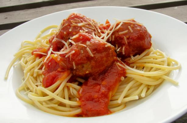Spaghetti With Small Meatballs