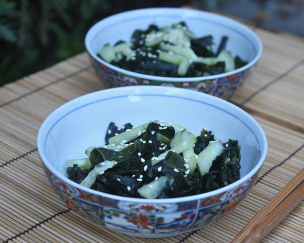 Mika's Vegan Seaweed and Cucumber Salad