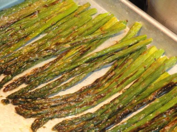 Easy Broiled Asparagus