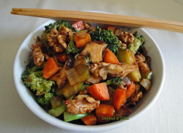 Walnut Broccoli Stir-Fry