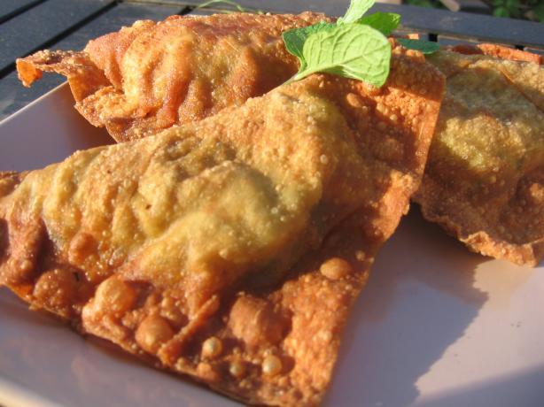 Sambossa (Ethiopian Appetizer)