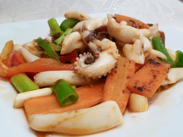 Spicy Stir Fried Squid (Ohjing-Uh Bokkeum)