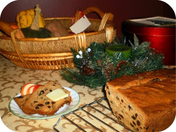 Mom's Applesauce Loaf