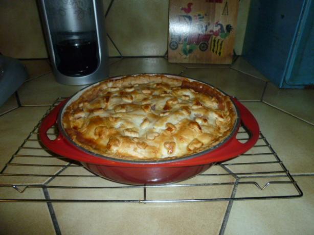 Deep Dish Fresh Peach Pie -- Le Creuset Round Tarte Tatin Pan