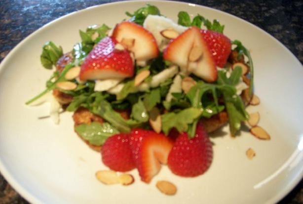 Chicken With Strawberry Salad