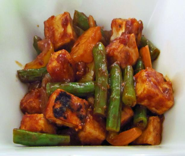 Hoisin-Glazed Tempeh With Green Beans and Cashews