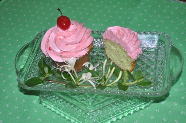 Meg's Watergate Cupcakes
