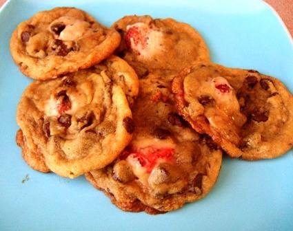 Strawberry Stuffed Chocolate Chip Cinnamon Cookies