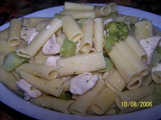 Capone's Chicken, Broccoli and Ziti
