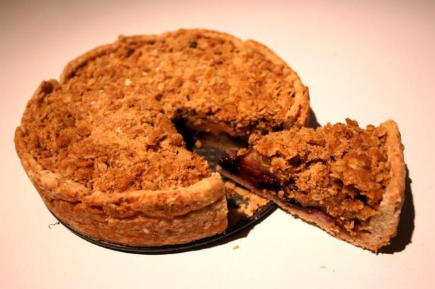 Bizooey's Apple Crumble Pie - With Crust Recipe!