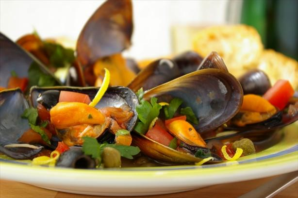 Campania Style Mussels