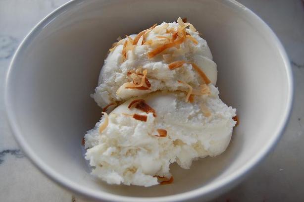 Eggless Coconut Ice Cream