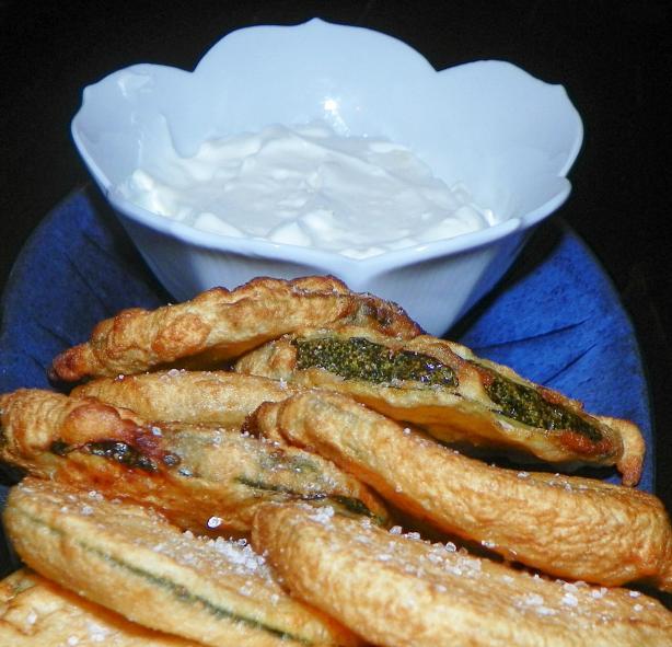 Fried Zucchini With Garlic Yogurt