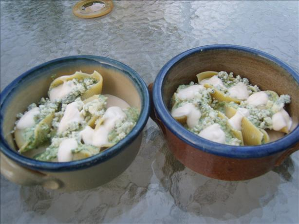 Spinach Gorgonzola Walnut Shells With Parmesan Cream