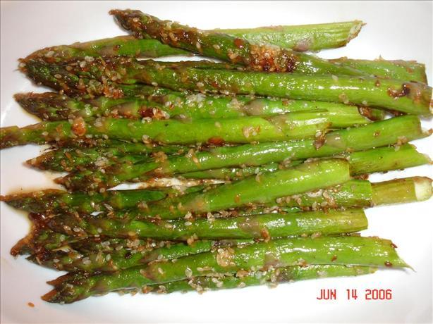 Easy and Quick Sesame Asparagus