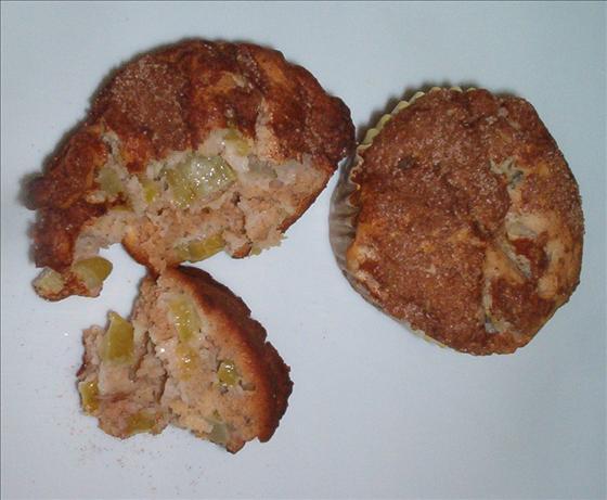 Healthy Rhubarb Cinnamon Muffins