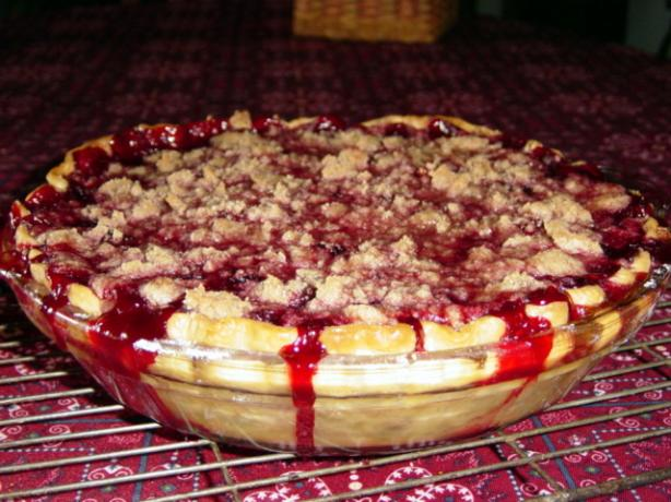 Fresh Raspberry Crumb Pie