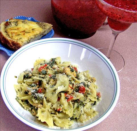 Bow Ties With Chicken and Spinach