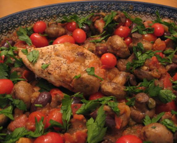 Mediterranean Chicken With Tomatoes, Kalamata and Mushrooms