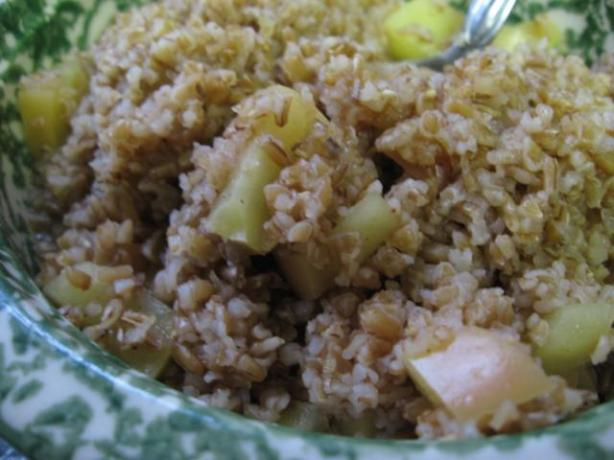 Breakfast Bulgur With Pears