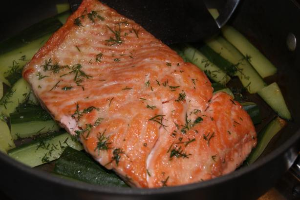 Salmon With Cucumbers and Dill