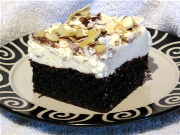 Dreamy Chocolate Cake With Frosting