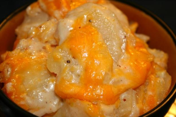 Cheesy Scalloped Potatoes (Calorie-Trimmed)