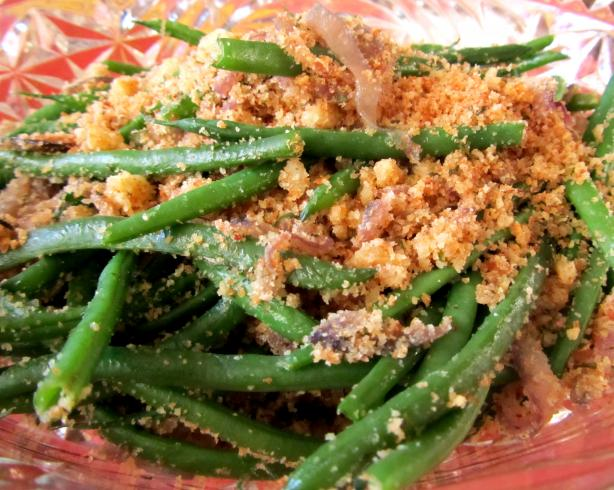 Green Beans With Garlic and Breadcrumbs