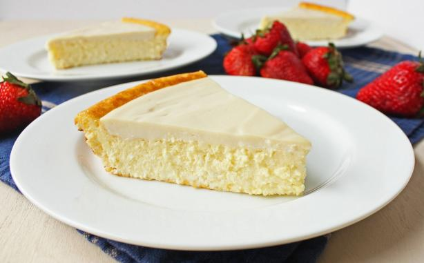 Grandma's Crustless Baked Cheesecake Pie