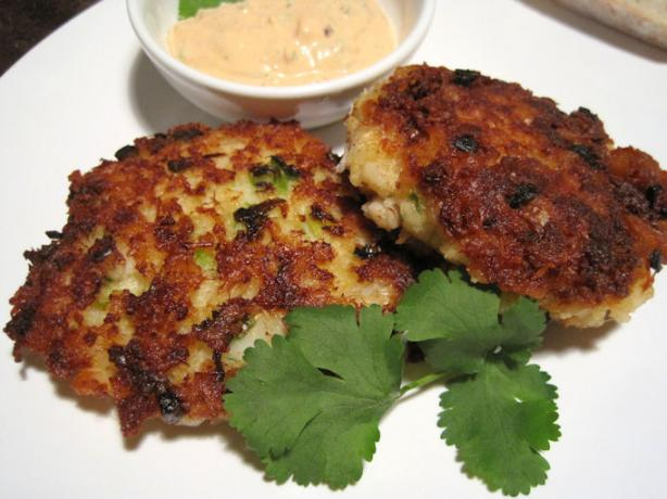 Spicy Cod Cakes With Chipotle Sauce