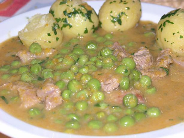 Veal Muscles With Green Peas